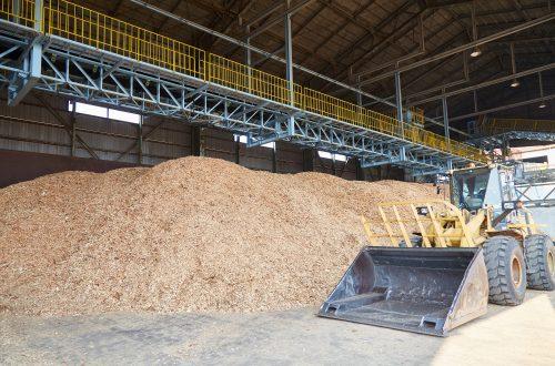 未経験OK!<br>堆肥工場内 重重機での作業